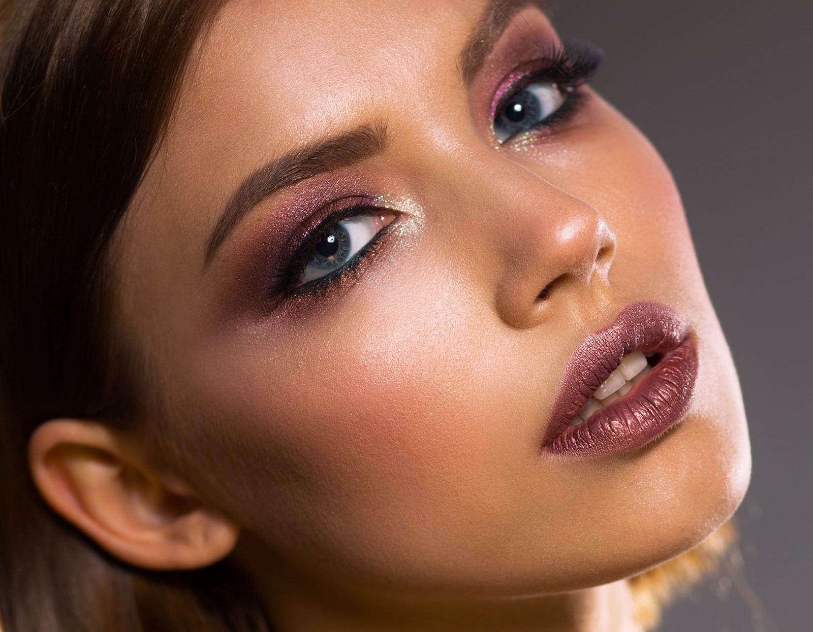 Geschminktes Frauen Gesicht