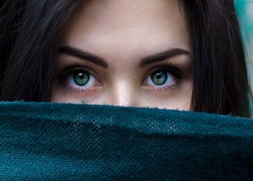 Blaue Augen in der Nahaufnahme